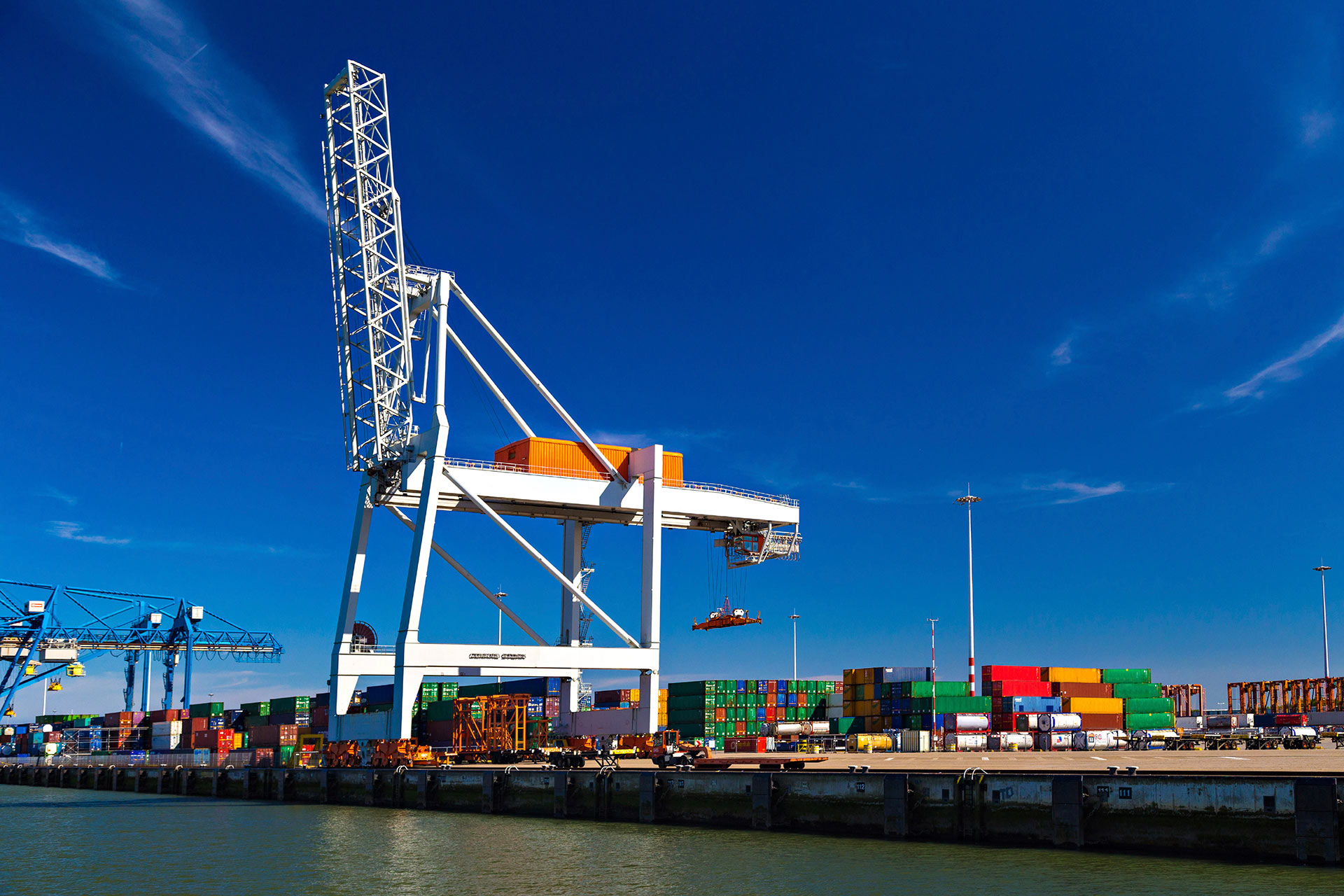 exportação; marítimo; aéreo; contentor;